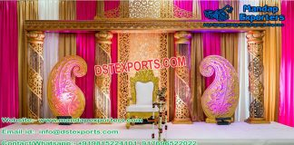 Wedding Stage With Gold Crystal Pillars