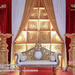 Golden Traditional Door Panel Wedding Stage