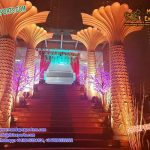 Luxurious Wedding Palm Tree Pillars Decoration
