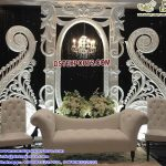 Trending English Wedding Reception Stage