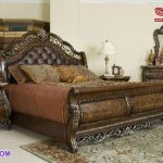 Classic Brown Wooden Carved Bedroom Furniture